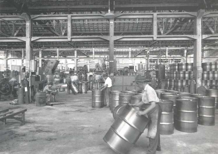 SESC Pompeia fabrica tambores