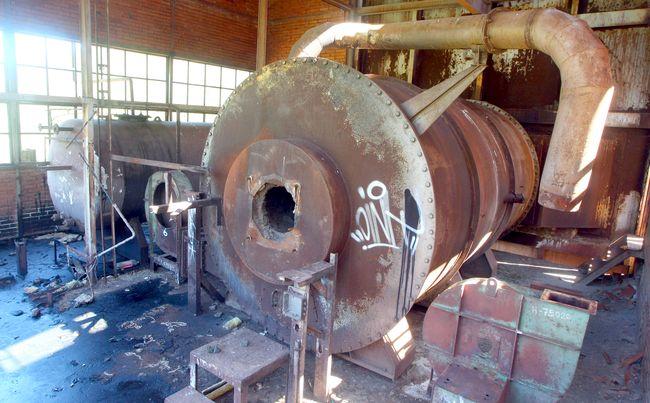 Estado actual del antiguo horno de calcinación de hierro de Onamio. (Foto: César Sánchez)