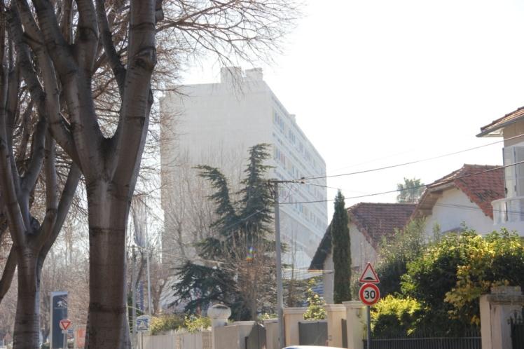 Vista desde del Boulevard Michelet de la Unidad de Habitación - Le Corbusier. © Patricia Ferreira Lopes